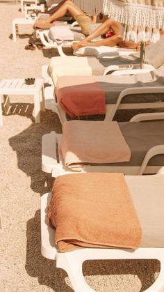 summer poolside towels aesthetic summer aesthetic pool s Summer Feeling, Summer Vibes, Summer Sun, Summer Beach, Summer Aesthetic, Orange Aesthetic, Beige Aesthetic, Flower Aesthetic, Travel Aesthetic