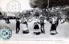 RENNES - Les Danses Bretonnes sur le Champ de Mars de Rennes - La dérobée - Vers 1906