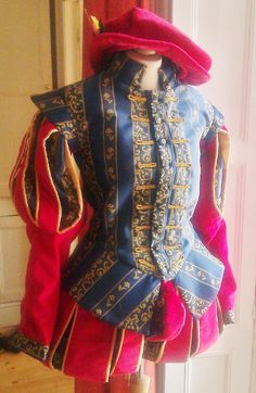 Elizabethan Gentleman's Doublet and Hose, theatrical costume, ideal for Sir Francis Drake, Sir Walter Raleigh or William Shakespeare Elizabethan Costume, Medieval Costume, Medieval Clothing, Historical Clothing, Tudor, Renaissance Pirate, Walter Raleigh, Jester Costume, Romeo Y Julieta