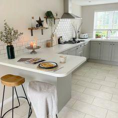 Grey Kitchen Tiles, Grey Kitchen Designs, Kitchen Room Design, Modern Kitchen Design, Kitchen Layout, Grey Kitchen Interior, Modern Grey Kitchen, Kitchen White, Small Open Plan Kitchens