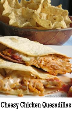 Cheesy Chicken Quesadillas recipe Here's an easy Mexican recipe idea you'll love. Tex Mex recipe Cheesy Chicken Quesadillas : This cheesy chicken quesadillas recipe is creamy and super easy to make with one extra special delicious ingredient included. Tex Mex, Enchiladas, Burritos, Chicken Quesadillas, Chicken Quesadilla Recipes, Recipe Chicken, Tostada Recipes, Mexican Quesadilla, Cheese Quesadilla Recipe