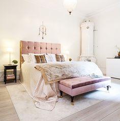 50 Shades of Pastel Home Decor - The Cottage Market Woman Bedroom, Dream Bedroom, Girls Bedroom, Master Bedroom, Bedroom Bed, White Bedroom, Swedish Bedroom, Blush Bedroom, Trendy Bedroom
