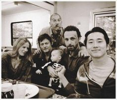 norman reedus and TWD cast