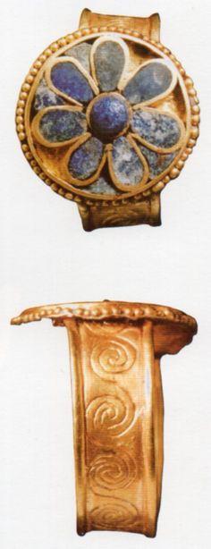 The Hettiters, gold and Lapis- lazuli rings, Kültepe (Tahsin Özgüç) (Erdinç Bakla archive)