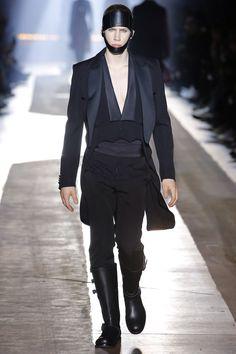 Moschino Fall 2018 Menswear Fashion Show Collection