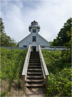 You can stay and work as a lighthouse keeper in this amazing Lighthouse in Michigan!
