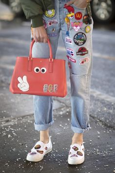 f964878e3c92c Anya Hindmarch s stickers and patches in jeans Bauchfreie Tops