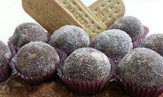 Receita de brigadeiro gourmet de palha-italiana com cobertura de açúcar refinado.