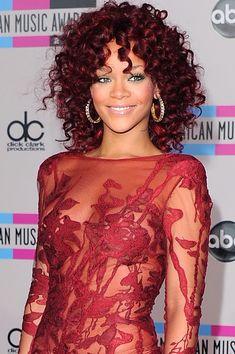 We Love Curls Wednesday - Curlformers Rihanna Curly Hair, Big Wavy Hair, Unique Hairstyles, Celebrity Hairstyles, Pretty Hairstyles, Curly Hair Styles, Natural Hair Styles, Pixie Crop, Hair Designs