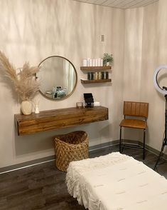 Massage Room Decor, Spa Room Decor, Massage Room Design, Beauty Room Salon, Beauty Room Decor, Beauty Salons, Home Spa Room, Spa Rooms, Salon Interior Design