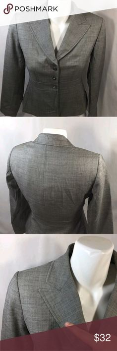 Tahari Women Gray Button Uo Blazer Jacket Long Sle Length top to bottom 21 inches   Chest armpit to armpit 15 inches   Size Sp  Measurement laying down    Any questions let us know   103#23  Tahari Women Gray Button Uo Blazer Jacket Long Sleeve Gray Petite Size 2Petite Tahari Jackets & Coats Blazers