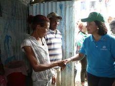 Vicepresidenta visita afectados por lluvias en San Cristóbal