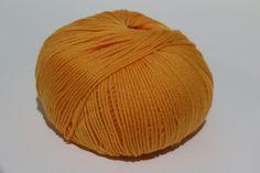 [Werbung/Anzeige] Erhältlich auf #Amazon #Ebay #Etsy #etsyshop #Willhaben. 100% Merinowolle / 100% Schurwolle! mkonlineshop e.U. shoppen einfach gemacht! 🙂 #mkonlineshop #shopping #onlineshop #onlineshopping #crochet #knitting #knit #yarn #wool #ganchillo #häkeln #chunky #haken #stricken #felting #merino #merinowool #garn #wolle #strickenmachtglücklich #häkelnmachtglücklich #filzen #chunkywool #merinowolle #kammzug Online Shopping, Chunky Wool, Knitted Hats, Winter Hats, Knitting, Instagram Posts, Etsy, Crochet, Ganchillo