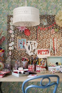 floral overload. love the lamp too.