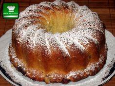 С тази рецепта Успехът и невероятно вкусният резултат са гарантирани. Кексът с ябълки е класика, чийто вкус и аромат ще ви върнат право в кухнята на баба.