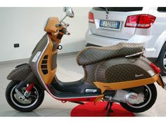 Piaggio Vespa GTS 300 Louis Vuitton Leather Edition, PIMP!!!