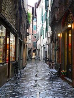 strada lucchese by Marc/Marc, via Flickr