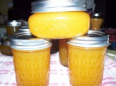 Frozen Orange Juice Jelly Easy to halve this recipe and process in 6 jars foruse on baked ham 1 2 PKG of powdered pectin equalled 3 tablespoons Jelly Recipes, Jam Recipes, Canning Recipes, Easy Canning, Canning 101, Bread Recipes, Easy Homemade Desserts, Homemade Jelly, How To Make Jelly