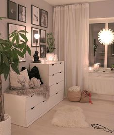 Dresser design ideas that you can try in your room inspo Cute Bedroom Ideas, Cute Room Decor, Room Ideas Bedroom, Home Bedroom, Girls Bedroom, Bedroom Decor, Bedrooms, Bedroom Inspo, Ikea Teen Bedroom