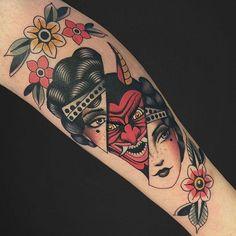 Traditional Tattoo Leg Sleeve, Traditional Tattoo Portrait, Traditional Tattoo Woman, Elbow Tattoos, Head Tattoos, Body Art Tattoos, Sleeve Tattoos, Tattoo On Leg, Mask Tattoo