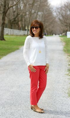 Casual work wear outfit for women.