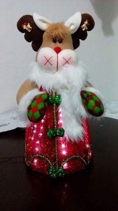 Resultado de imagen para muñecos navidad alejandra sandes Christmas Sewing, Christmas Fabric, Christmas Goodies, Christmas 2016, Felt Christmas, Christmas Humor, Xmas, Christmas Ornaments, Reindeer Decorations
