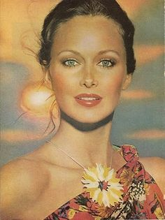 Karen Graham 1977; an example of seventies ideal beauty…the face of Estee Lauder 70's to 80's