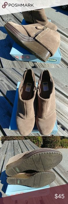 EUC Dr. Scholl's Leather Booties EUC, Dr. Scholl's leather booties, taupe in color, size 9 1/2M, smoke free home Dr. Scholl's Shoes Ankle Boots & Booties