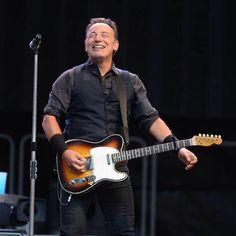 Very Happy Bruce
