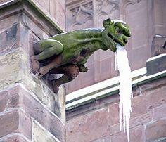 Wasserspeier am Freiburger Mnster - Teuflisches Wesen (O!i aus F)
