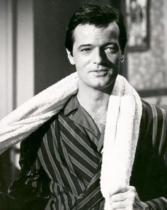 Loved Robert Goulet's voice