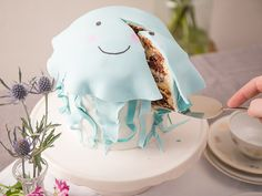 DIY-Anleitung: Niedliche Quallen-Torte backen via DaWanda.com