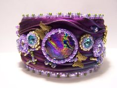 Purple passion Shibori dicroic and crystal bee and butterfly cuff bead… Ribbon Jewelry, Soutache Jewelry, Fabric Jewelry, Boho Jewelry, Jewelry Crafts, Jewelry Design, Bead Embroidered Bracelet, Bead Embroidery Jewelry, Beaded Embroidery