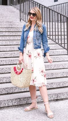 I love everything about this summer outfit. Lovely Summer Fresh Looking Outfit. The Best of summer fashion in - Daily Fashion Outfits Cute Modest Outfits, Floral Dress Outfits, Modest Dresses, Casual Dresses, Summer Dresses, White Floral Dress, Everyday Casual Outfits, Casual Wear, Modest Fashion