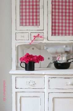 Mexican Bedroom, White Apartment, Granny Chic, Himmelblau, Pink Gingham, White Cottage, Bedroom Vintage, Country Kitchen, Retro Vintage
