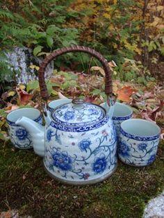 Mondus Distinction - Canada's Home and Garden Decor - Floral Chinese Tea Set