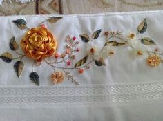 Diy Ribbon Flowers, Satin Flowers, Ribbon Work, Silk Ribbon Embroidery, Embroidery Patterns, Hand Embroidery, Flower Images, Flower Art, Crochet Tablecloth