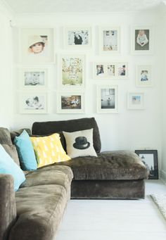 white frames/gallery wall :) happy look! Interior Garden, Interior Walls, Interior And Exterior, Gallery Wall Frames, Gallery Walls, Living Room Decor, Living Spaces, Dining Room, Rearrange Room