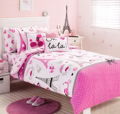 isn 39 t this purple and hot pink eiffel tower paris themed bedding too cute and teen cool. Black Bedroom Furniture Sets. Home Design Ideas