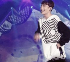 Chen's aegyo~ buing buing!