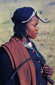 Africa | Pondo woman.  South Africa || Scanned postcard African Men, African Fashion, African Style, People Of The World, My People, Provinces Of South Africa, Xhosa, Egyptian Costume, Beauty Around The World