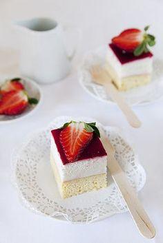 Cheesecake al cioccolato bianco e lamponi