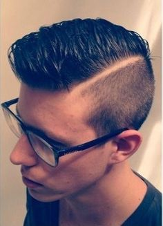 Among all the classy looks in the list of men's hairstyle, the pompadour has to be in the top favourites. The Undercut Pompadour Hairstyles is among them and has been the latest fad in town. Pompadour Fade Haircut, Short Hair Undercut, Undercut Men, Undercut Pompadour, Undercut Hairstyles, Hairstyle Short, Modern Haircuts, Haircuts For Men