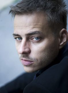 Could this be our Fifty?? Look at those eyes! @Liz Caron @Heather Millikan  Tom Wlaschiha