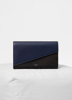 Diagonal large flap on chain in smooth lambskin - セリーヌについて