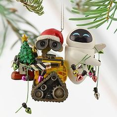 Disney EVE and WALL-E Ornament. My little ones and I have a disney christmas bedtime storybook, and this story of wall-e and eve is their favorite. Perfect early gift for them this coming Christmas. Disney Day, Disney Theme, Disney Parks, Disney Stuff, Disney Movies, Hallmark Ornaments, Holiday Ornaments, Ornaments Ideas, Hanging Ornaments