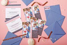Zaprosznie ślubne w postaci kartki pojedyńczej dwustronnej - wraz z kopertą i naklejką na kopertę.