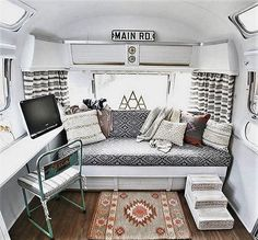 Creative And Genius Camper Remodel And Renovation Ideas You Can Apply Right Now (Tips 38) #camperrenovationideas