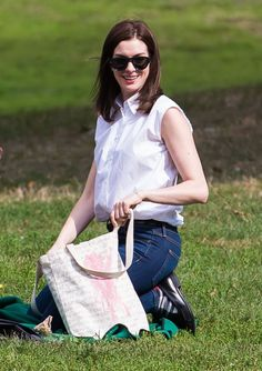Anne Hathaway filming a scene on the set of 'The Intern' in New York City, New York on September 9, 2014