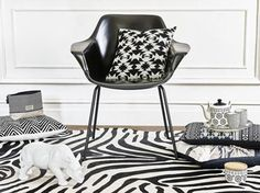 Tendance afro Johannesburg chez Maisons du Monde Decoration, Accent Chairs, Furniture, Afro, Home Decor, Beauty, Dining Room Tables, Chairs, Musical Chairs